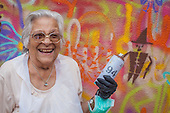 Lata 65 - Graffiti Grannies