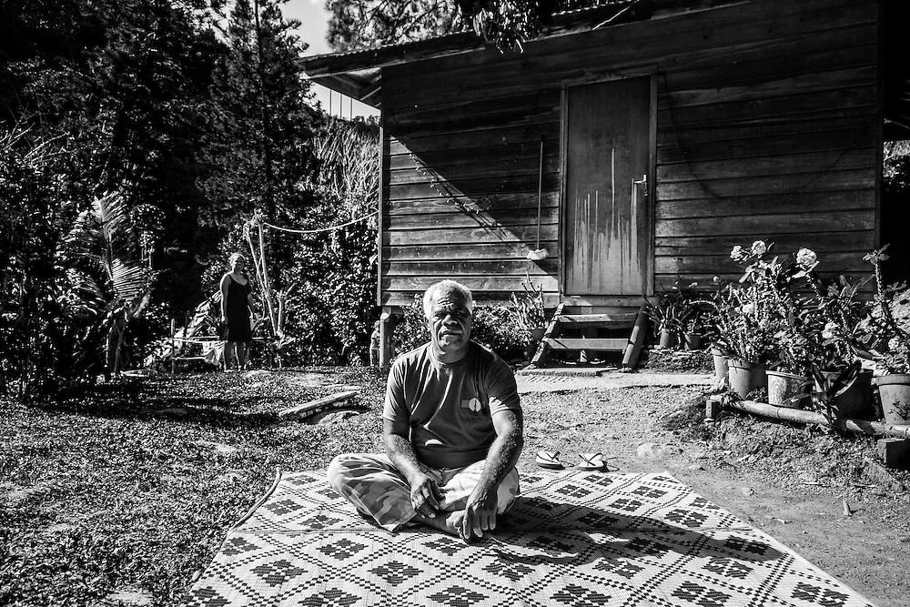 NOUVELLE CALEDONIE, HIENGHENE, Cavatch - Kaavac - Portrait de Moise VAHO, Chef de Cavatch, Président de l'aire Coutumiere de Hoot Ma Waap - Aout 2013