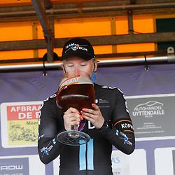 08-05-2021: Wielrennen: GP Eco Struct: Belgie: Lorena Wiebes wint voor Susanne Andersen en Amber van der Hulst