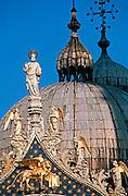 ITALY, VENICE, LANDMARKS Basilica San Marco (St. Mark's) dome