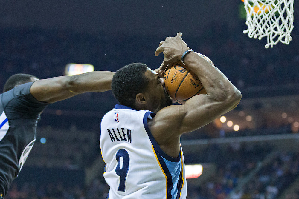 MEMPHIS, TN - DECEMBER 10:  Tony Allen #9 of the Memphis Grizzlies drives to the basket during a game against the Golden State Warriors at the FedExForum on December 10, 2016 in Memphis, Tennessee.  The Grizzlies defeated the Warriors 110-89.  NOTE TO USER: User expressly acknowledges and agrees that, by downloading and or using this photograph, User is consenting to the terms and conditions of the Getty Images License Agreement.  (Photo by Wesley Hitt/Getty Images) *** Local Caption *** Tony Allen