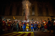 Gun salute fired by reenactors during a march commemorating the siege of Barcelona in 1713-14. During the parade, held the day before the Catalan national day, Catalan separatist protests asking freedom for politicians arrested after the unilateral referendum held almost a year ago. Barcellona, Spain, September 10, 2018. Federico Scoppa