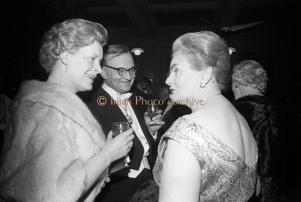 17/2/1966<br /> 2/17/1966<br /> 17 February 1966<br /> <br /> Mrs. Sean Lemass chatting with Sir George Mahon President of the Institute of Bankers in Ireland and Lady Mahon at the reception prior to the dinner