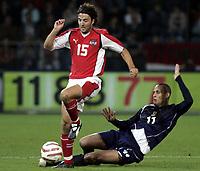 Fotball<br /> Landskamp 17.08.2005<br /> Østerrike v Skottland<br /> Foto: Gepa/Digitalsport<br /> NORWAY ONLY<br /> <br /> Joachim Standfest (AUT), Nigel Quashie (SCO)