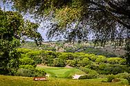 22-10-2018 Almenara Golf Club in Sotogrande, Cádiz, ontworpen door Dave Thomas.<br /> ALMENARA: Mooi uitzicht vanaf hole 1 Los Alcornoques op de par-3 tweede.