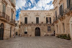 Antico palazzo con cortile nel cuore del centro storico di Lecce