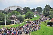 Nederland, Nijmegen, 19-7-2011Op de Wedren starten om 4 uur de eerste lopers van de 4 daagse. Via de Waalbrug en Lent (foto) ging het naar de Betuwe en via de Oosterhoutsedijk weer terug.Foto: Flip Franssen/Hollandse Hoogte
