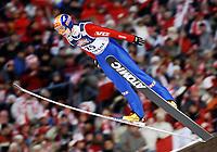 Hopp, ZAKOPANE 28/01/2006<br /> Henning Stensrudsoars in the air during the  15th World Cup Ski Jumping competition in Zakopane  southern Poland Saturday  Jan. 28, 2006. <br /> PHOTO: Piotr Hawalej , Digitalsport