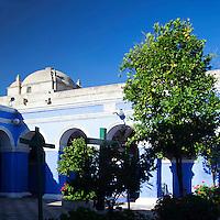 South America, Peru, Arequipa. Cloister of the Orange Trees at Monasterio de Santa Catalina.