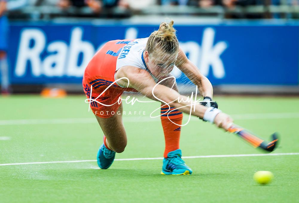SCHIEDAM - Ireen van den Assem (Ned) neemt strafcorner  tijdens een oefenwedstrijd tussen  de dames van Nederland en Belgie , in aanloop naar het  EK Hockey, eind augustus in Amstelveen. COPYRIGHT KOEN SUYK
