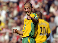 Picture: Henry Browne, Digitalsport<br /> Date: 30/04/2005.<br /> Southampton v Norwich Barclays Premiership.<br /> Craig Fleming points something out to his team mates.