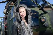 Vertrek van de ambassadeurs van de Vrijheid vanaf vliegbasis Gilze Rijen . De Ambassadeurs van de Vrijheid zullen dankzij de inzet van Defensie optreden op de veertien Bevrijdingsfestivals. <br /> <br /> OP de foto / On the photo:  Sharon Kovacs voor de helikopter