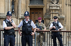 2017-05-24 Armed soldiers join police guarding Parliament as terror threat is raised to critical