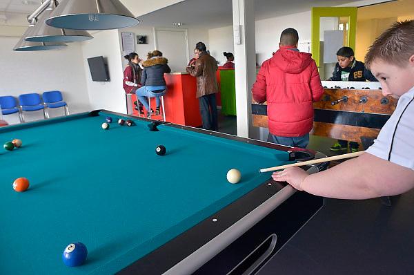 Nederland, Nijmegen, 16-3-2013De chill out ruimte voor jongeren in het nieuwe wijkcentrum van de wijk Hatert.Foto: Flip Franssen/Hollandse Hoogte