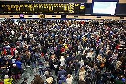 © Licensed to London News Pictures. 09/02/2020. London, UK. Overcrowding at Euston rail station as number of trains are delayed due to debris on the tracks caused by Storm Ciara. Photo credit: Dinendra Haria/LNP