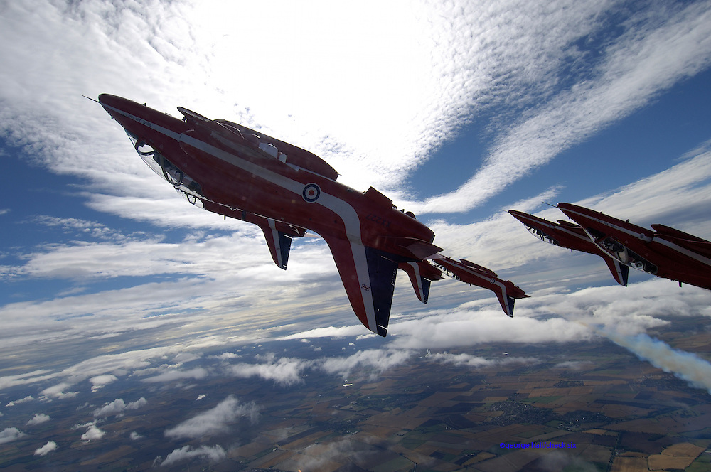 Red Arrows in acrobatic maneuvers