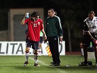 Fotball, 3. september 2004,  Trapani, EM kvalifisering U21,  Italia - Norge 2-0,  Daniel Fredheim Holm, Norge, kjøler seg ned med en svamp vann
