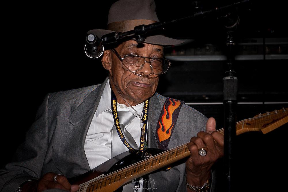 Hubert Sumlin performing at The 2010 Wilmington Blues Festival.