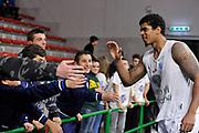 DESCRIZIONE : Eurolega Euroleague 2014/15 Gir.A Dinamo Banco di Sardegna Sassari - Nizhny Novgorod<br /> GIOCATORE : Edgar Sosa<br /> CATEGORIA : Before Tifosi Fair Play One Team<br /> SQUADRA : Dinamo Banco di Sardegna Sassari<br /> EVENTO : Eurolega Euroleague 2014/2015<br /> GARA : Dinamo Banco di Sardegna Sassari - Nizhny Novgorod<br /> DATA : 21/11/2014<br /> SPORT : Pallacanestro <br /> AUTORE : Agenzia Ciamillo-Castoria / Luigi Canu<br /> Galleria : Eurolega Euroleague 2014/2015<br /> Fotonotizia : Eurolega Euroleague 2014/15 Gir.A Dinamo Banco di Sardegna Sassari - Nizhny Novgorod<br /> Predefinita :