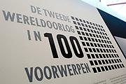 Koning Willem-Alexander is aanwezig bij de opening van de  tentoonstelling - De Tweede Wereldoorlog in 100 in de Kunsthal. In de expositie wordt aan de hand van honderd voorwerpen geschetst hoe mensen het dagelijks leven tijdens de Tweede Wereldoorlog beleefden. <br /> <br /> King Willem-Alexander attended the opening of the exhibition - World War II in 100 in the Kunsthal. The exhibition is based on hundreds of items outlined how people experienced the daily life during World War II.