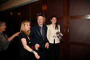 JULES AND JAMIE OLIVER, 17th Annual Book Awards, hosted by richard and Judy. grosvenor House. London. 29 March 2006. ONE TIME USE ONLY - DO NOT ARCHIVE  © Copyright Photograph by Dafydd Jones 66 Stockwell Park Rd. London SW9 0DA Tel 020 7733 0108 www.dafjones.com