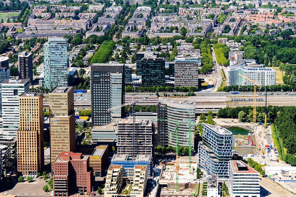 Nederland, Noord-Holland, Amsterdam-Zuid, 29-06-2018; Overzicht Zuid-as vanuit Buitenveldert met zicht op de projecten Amsterdam Symphony, Mahler4 en Gershwin. Kantoren en appartementen-complexen.<br /> Overview 'South-axis', financial district<br /> luchtfoto (toeslag op standard tarieven);<br /> aerial photo (additional fee required);<br /> copyright foto/photo Siebe Swart