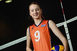 07-04-2014 NED: SELECTIE JONG ORANJE: ARNHEM<br /> Volleybalteam Jong Oranje / Lobke van Oosterom<br /> ©2014-FotoHoogendoorn.nl