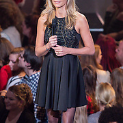 NLD/Hilversum/20151218 - The Voice of Holland 2015 - 3de liveshow, Wendy van Dijk