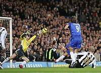 Photo: Lee Earle.<br /> Chelsea v Newcastle United. The Barclays Premiership.<br /> 19/11/2005. Chelsea's Hernan Crespo beats Newcastle keeper Shay Given to score their second.