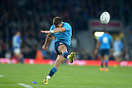 Tommaso Allan of Italy takes the penalty kick to score. Rugby World Cup 2015 pool D match, France v Italy at Twickenham Stadium in London on Saturday 19th September 2015.<br /> pic by John Patrick Fletcher, Andrew Orchard sports photography.