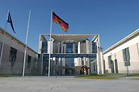 15 FEB 2002, BERLIN/GERMANY:<br /> Gebaeudeansicht Bundeskanzleramt (Ostseite)<br /> IMAGE: 20020215-01-010<br /> KEYWORDS: Kanzleramt