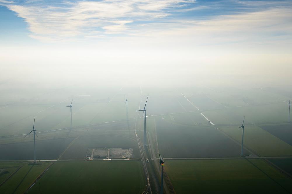 Nederland, Groningen, Eemshaven, 04-11-2018; windturbines in het Eemshaven-gebied.<br /> Wind turbines in the Eemshaven area.<br /> luchtfoto (toeslag op standaard tarieven);<br /> aerial photo (additional fee required);<br /> copyright © foto/photo Siebe Swart