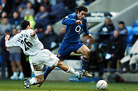 Fotball<br /> FA-cup 2005<br /> 5. runde<br /> Bolton v Arsenal<br /> 12. mars 2005<br /> Foto: Digitalsport<br /> NORWAY ONLY<br /> Robert Pires Arsenal/Tal Ben Haim Bolton Wanderers