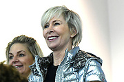 De vierde editie van De Hollandse 100 in Thialf, Heerenveen. De Hollandse 100 is een initiatief van stichting Lymph&Co. Stichting Lymph&Co steunt grensverleggend onderzoek om de behandeling van lymfklierkanker te verbeteren<br /> <br /> Op de foto: Monique des Bouvrie