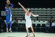 DESCRIZIONE : Bologna campionato serie A 2013/14 Acea Virtus Roma Enel Brindisi <br /> GIOCATORE : Ron Lewis<br /> CATEGORIA : tiro three points<br /> SQUADRA : Enel Brindisi<br /> EVENTO : Campionato serie A 2013/14<br /> GARA : Acea Virtus Roma Enel Brindisi<br /> DATA : 20/10/2013<br /> SPORT : Pallacanestro <br /> AUTORE : Agenzia Ciamillo-Castoria/GiulioCiamillo<br /> Galleria : Lega Basket A 2013-2014  <br /> Fotonotizia : Bologna campionato serie A 2013/14 Acea Virtus Roma Enel Brindisi  <br /> Predefinita :