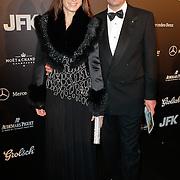 NLD/Amsterdam/20111029- JFK Greatest Man Award 2011, paul Schulten en mannequin