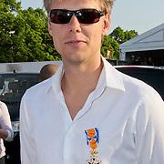 NLD/Amsterdam/20110430 - Koninginnedagconcert Radio 538, Armin van Buuren met zijn koninklijke onderscheiding