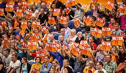 23-09-2016 NED: EK Kwalificatie Nederland - Oostenrijk, Koog aan de Zaan<br /> Nederland wint met 3-0 van Oostenrijk / Oranje support publiek, block
