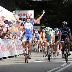Sportfoto archief 2006-2010<br /> 2010<br /> Robbie McEwen (Katusha) wint de etappe Steenwijk - Rhenen voor Lucas Sebastian (SAXO Bank)