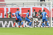 Fussball: 2. Bundesliga, FC St. Pauli - 1. FC Heidenheim, Hamburg, 27.09.2020<br /> <br /> © Torsten Helmke Fussball: 2. Bundesliga, FC St. Pauli - 1. FC Heidenheim, Hamburg, 27.09.2020<br /> Philipp Ziereis (Pauli, #4) erziel das 2:0<br /> © Torsten Helmke