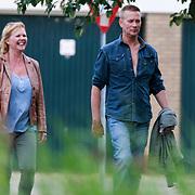 NLD/Volendam/20130614 - Ex 3 J's zanger Jaap de Witte aan het wandelen met zijn partner