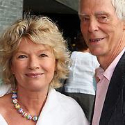 NLD/Hilversum/20070817 - Straten rond het Mediapark Hilversum vernoemd, Martine Bijl en partner Berend Boudewijn