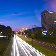 Nederland Rotterdam 18-09-2009 20090918 ..Avondopname Abraham van Rijckevorselweg, provinciale weg                                               ..Foto: David Rozing