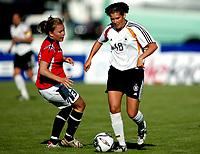 Fotball<br /> treningskamp landskamp2006 <br /> 25.05.2006<br /> norge v Tyskland 0-0<br /> Foto: Richard Brevik - Digitalsport<br /> <br /> ann christin angel - germany / tyskland Girls 19<br /> <br /> marita arnesen - norge j19