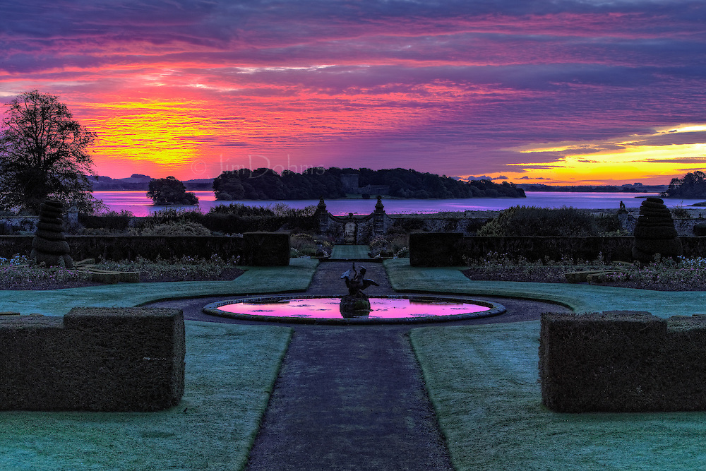 The Kinross House is located north of Edinburgh on Loch Leven. When the early October sky lit up on a morning that weather forcasters had said would bring rain, I thought I had received a gift from Heaven.