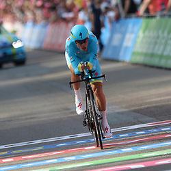 06-05-2016: Wielrennen: Giro: Apeldoorn<br />APELDOORN (NED) wielrennen<br />De 99e ronde van Italie is van start gegaan met een tijdrit of 9,8 kilometer door de straten van Apeldoorn. De finishlijn was getrokken op de Loolaan. Vincenzo Nibali