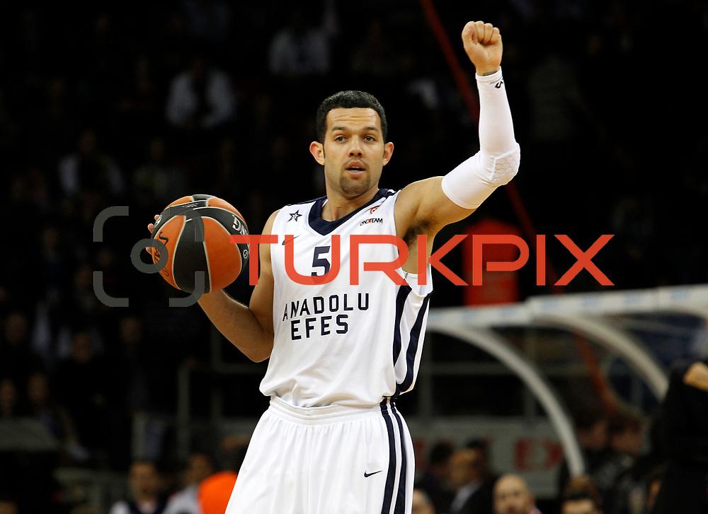 Anadolu Efes's Jordan Farmar during their Turkish Airlines Euroleague Basketball playoffs Game 4 Anadolu Efes between Olympiacos at Abdi ipekci Arena in Istanbul, Turkey, Friday, April 19, 2013. Photo by Aykut AKICI/TURKPIX
