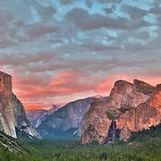 Yosemite Valley Overlook - Sunset - HDR