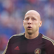 HARRISON, NEW JERSEY- OCTOBER 15: Goalkeeper Brad Guzan #1 of Atlanta United warming up before the New York Red Bulls Vs Atlanta United FC, MLS regular season match at Red Bull Arena, Harrison, New Jersey on October 15, 2017 in Harrison, New Jersey. (Photo by Tim Clayton/Corbis via Getty Images)