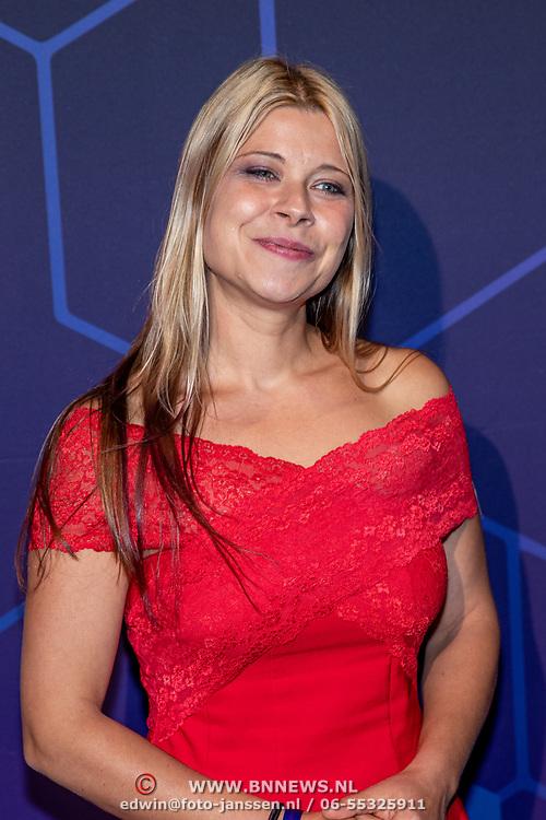 NLD/Amsterdam/20190613 - Inloop uitreiking De Beste Social Awards 2019, Lisa Westerveld